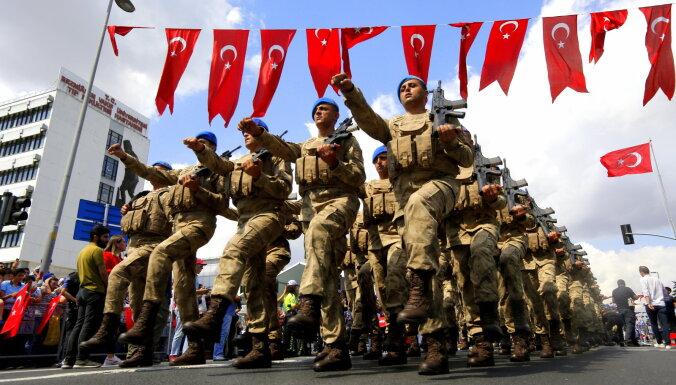 Turcija un ASV vienojušās par ugunspārtraukšanu Sīrijā