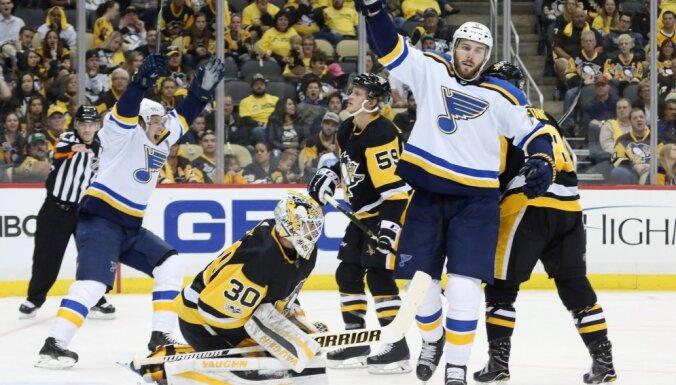 """Чемпионат НХЛ: """"Питтсбург"""" и """"Сент-Луис"""" открыли сезон девятью шайбами"""