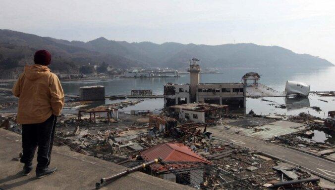 Тогда и теперь: Япония через два года после цунами (16 фото)