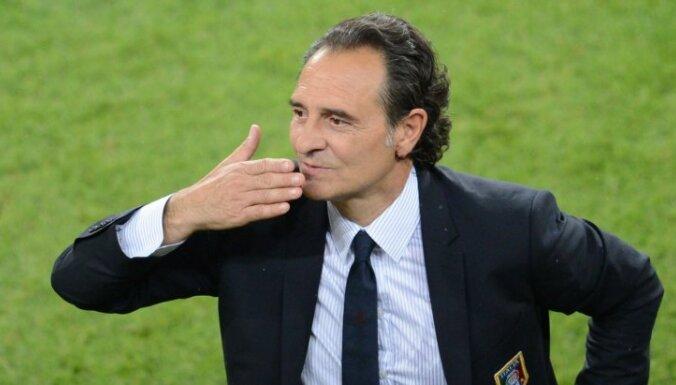 Главный тренер Италии после выхода в 1/4 пошел в монастырь