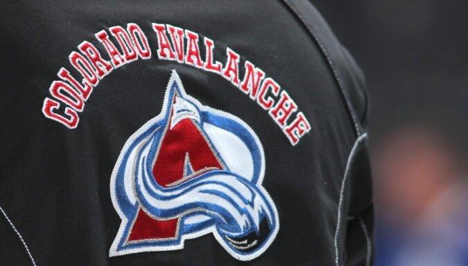 Pirmās izvēles tiesības NHL draftā laimē 'Avalanche'