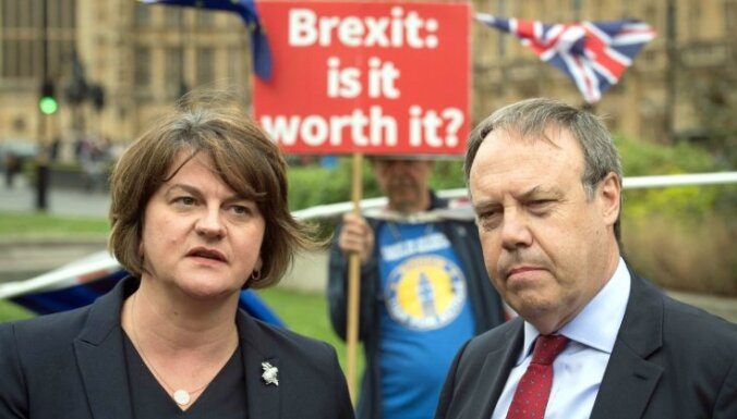 Ziemeļīrijas partijām domstarpības par toriju eiroskeptiķu Īrijas robežas plānu