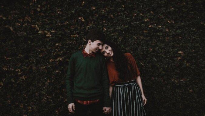 Mīlēt vai būt mīlētam: pāri atbild uz 12 jautājumiem par attiecībām