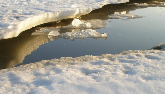 Saeima vērtēs rosinājumu paredzēt naudas sodu par atrašanos uz ledus
