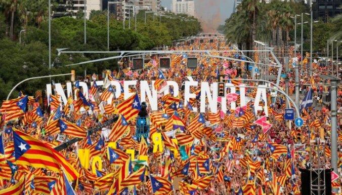 Katalonijas separātisti pulcējas uz Nacionālās dienas mītiņu Barselonā