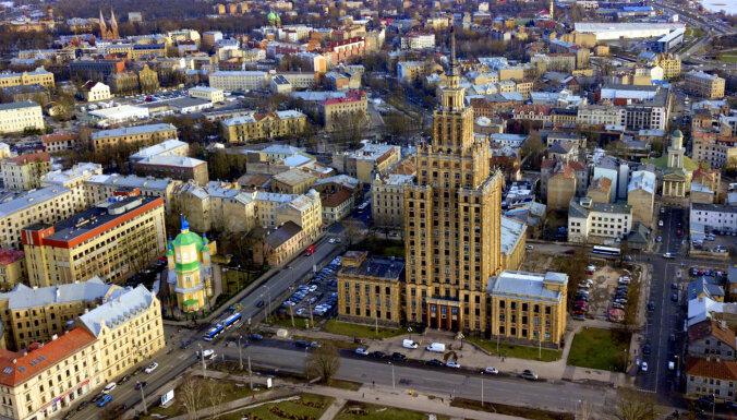 Vairāk nekā trešdaļa vēlētāju nezinot, ko atbalstīt Rīgas domes vēlēšanās (precizēta)