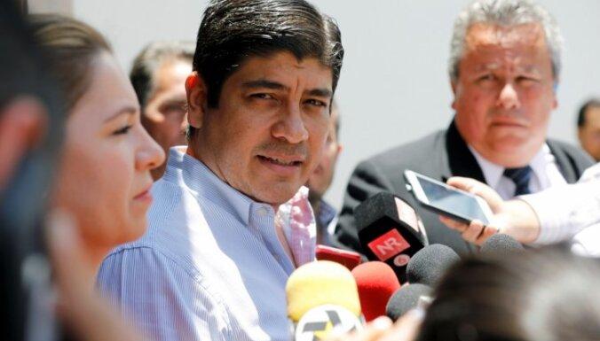 Kostarikā prezidenta amatā ievēl valdošās partijas kandidātu Karlosu Alvarado