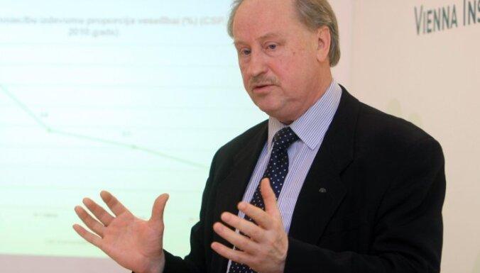 Viktors Gustsons: Daļa Latvijas jau tagad dzīvo 'eirozonā'
