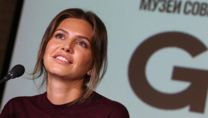 Экс-супруга Абрамовича Дарья Жукова родила третьего ребенка