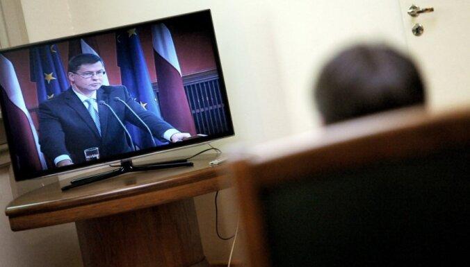 Социолог: людям понравилась отставка Домбровскиса