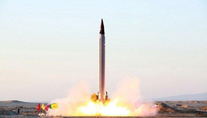 Irāna ignorē ANO aizliegumu un izmēģina augstas precizitātes ballistisko raķeti