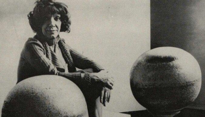 Izstādē aktualizēs atšķirīgu mākslas vēstures lasījumu caur sieviešu mākslinieču pieredzēm