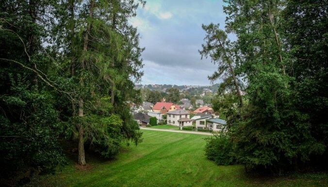 Piemērots rudenīgām pastaigām – Durbes pils parks