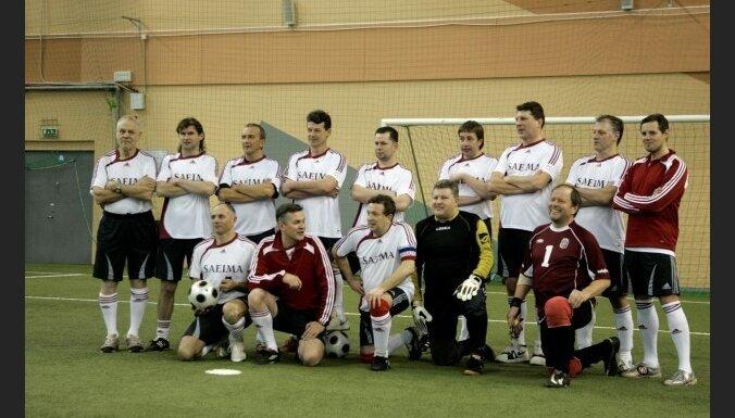 Депутаты и журналисты сыграют в футбол