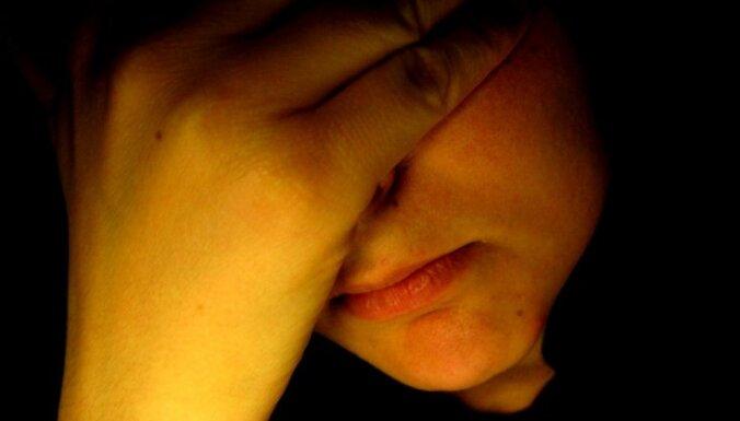 Sabiedrības iecietības līmenis: vīriešiem bērnu pamešana tiek piedota; sievietēm - nekad