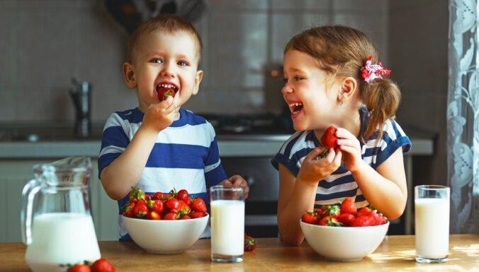 Augļus un dārzeņus joprojām ēdam par maz. Saņemamies – bērni skatās!