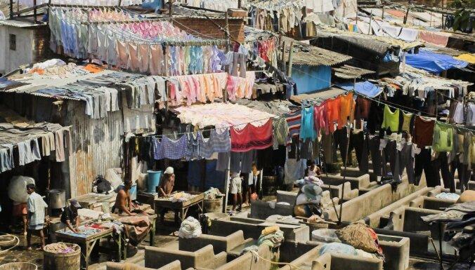 """Туристам в Индии предлагают почувствовать """"жизнь на вкус"""" и заселиться в отель в трущобах Мумбаи (ФОТО)"""