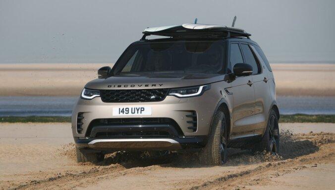 Modernizētais 'Land Rover Discovery' – vēl komfortablāks visiem septiņiem pasažieriem
