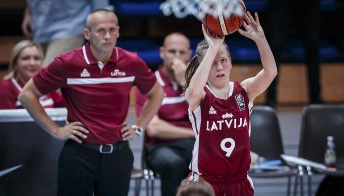Latvijas sieviešu basketbola izlase aizvada tradicionālo rozā lentītes spēli pret Somiju