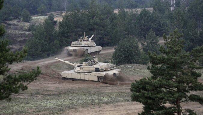 США вывозят из Латвии танки Abrams, их заменят бронетранспортерами