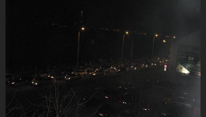 Pārdaugavā virzienā uz centru piektdien izveidojušies pamatīgi sastrēgumi