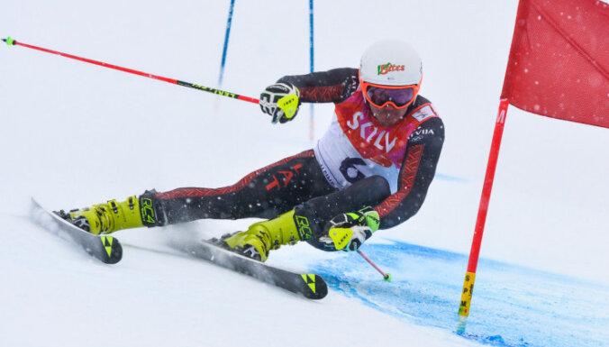 Latvijas vadošais kalnu slēpotājs Zvejnieks finansējuma trūkuma dēļ izlaidīs šo sezonu