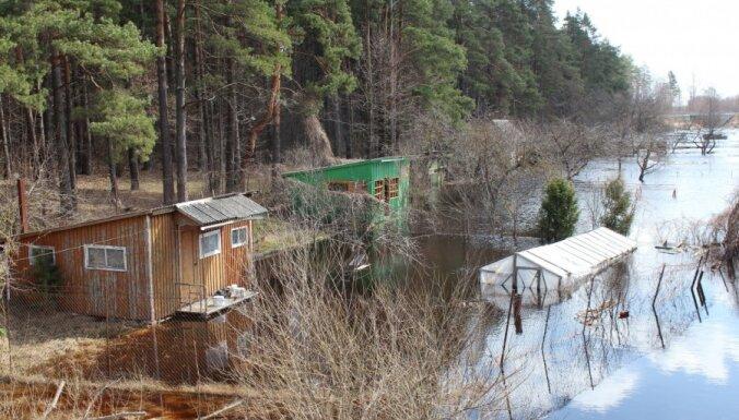 Plūdos cietušajiem zemniekiem Latgalē plāno piešķirt 99 540 latus