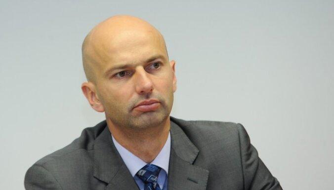 Galveno ierēdņu paziņojums: Par aizsardzību pret ministra politisku izrēķināšanos