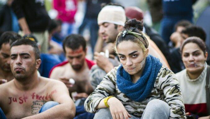 Министры стран ЕС ополчились на Грецию: нужно лучше охранять границы