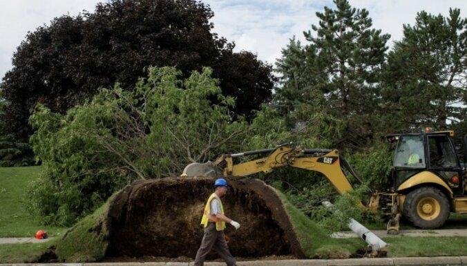 Foto: Mičiganas štatā spēcīgais tornado sagrauj ēkas