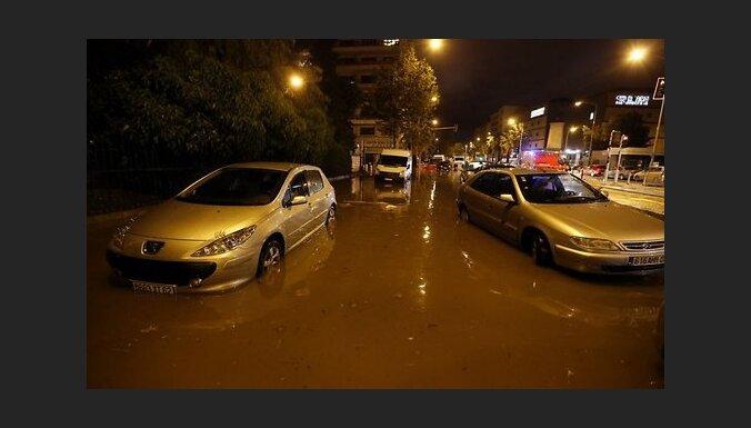 ФОТО, ВИДЕО: Во Франции наводнение, уже 12 погибших