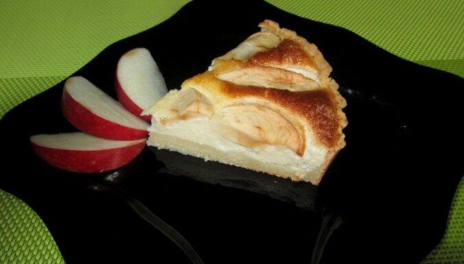 Творожный пирог с яблоками для тех, кто считает калории