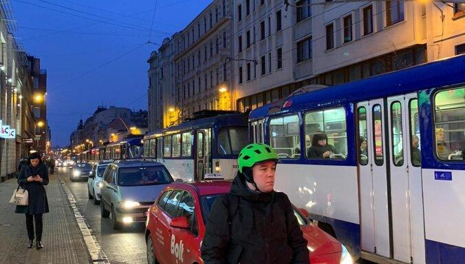 Avārijas dēļ kavējas 1. maršruta tramvajs