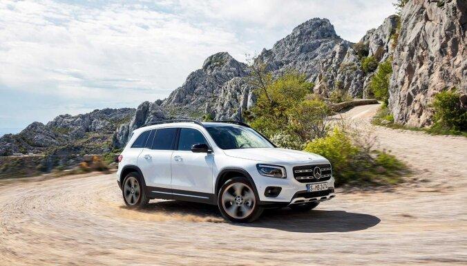 'Mercedes' radījis kompaktu septiņvietīgo apvidnieku 'GLB'