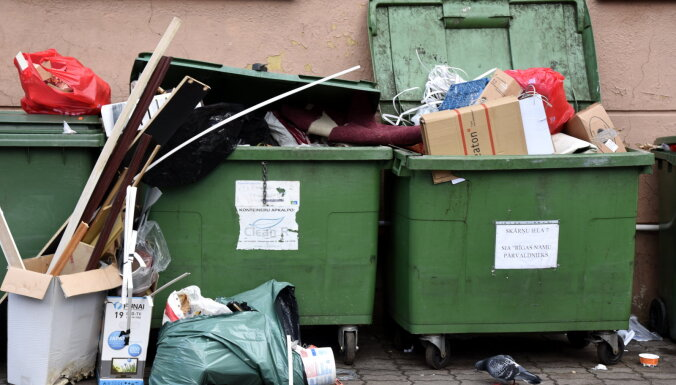 Рижская дума утвердила новые тарифы на вывоз мусора и внесла поправки в правила