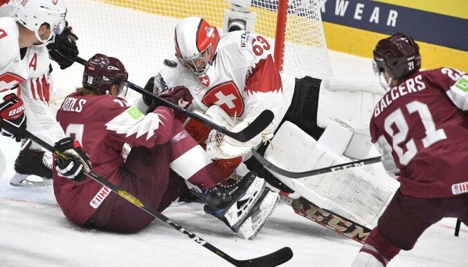 Šveices izlases treneris: latvieši mūs spieda spēlēt augstākās raudzes hokeju