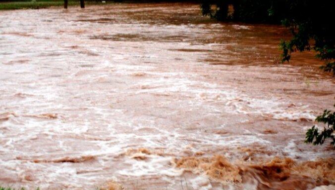 Ūdens līmenis Ciecerē saglabājas augsts, tomēr lēnām pazeminās