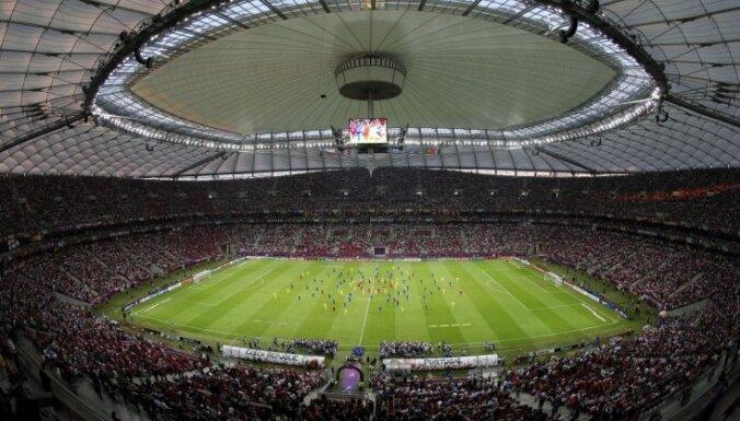 Из-за крыши в Варшаве сорвался матч поляков и англичан