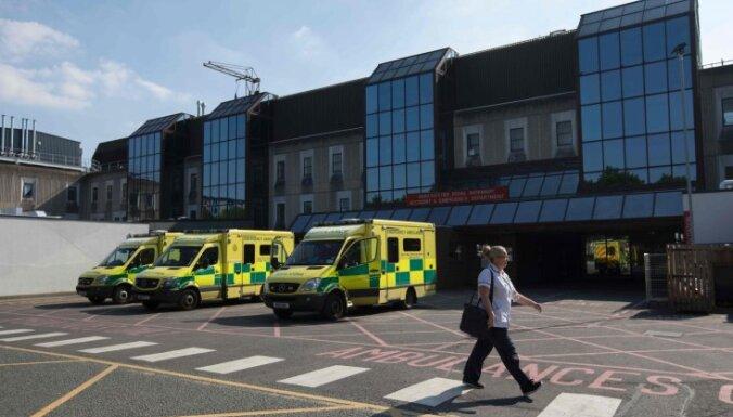 Slimnīcā joprojām ārstējas 50 Mančestras terorakta upuru