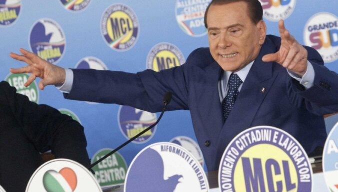 EP prezidents Šulcs brīdina Itālijas iedzīvotājus neievēlēt Berluskoni parlamentā