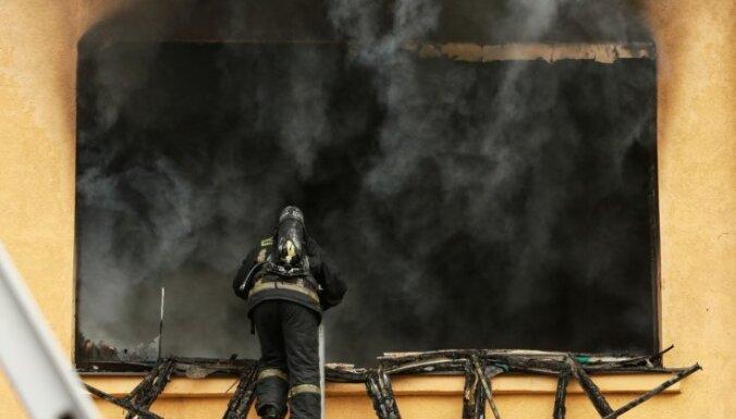 """Латвия взялась за создание """"пожарной Земессардзе"""": час работы — 10 евро"""