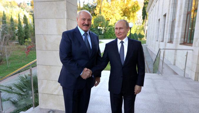 На переговорах Путина и Лукашенко отключили свет