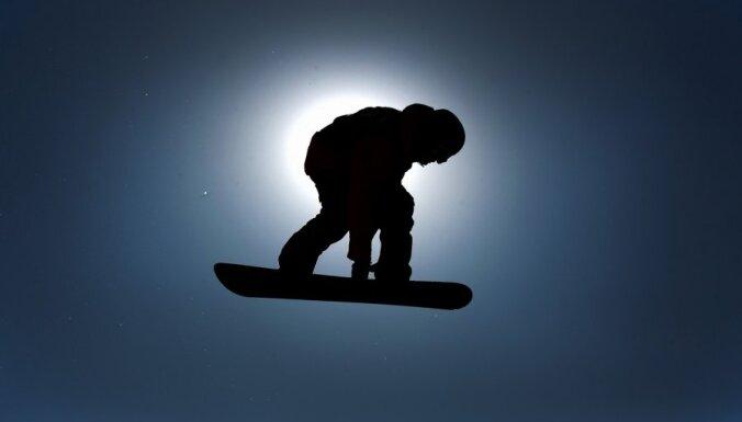 Snovbordiste Vītola izcīna 24. vietu junioru PČ paralēlajā milzu slalomā