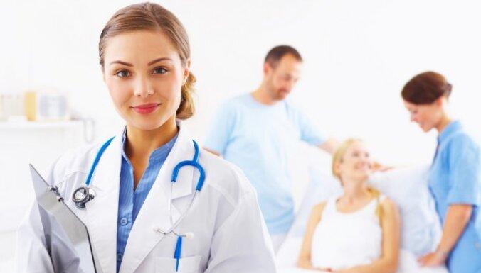 В рамках акции по профилактике меланомы латвийцев приглашают на бесплатную проверку