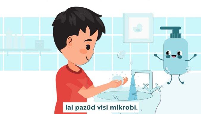 ВИДЕО: Поющий голосом Интара Бусулиса мистер Мыльчик научит латвийских детей правильно мыть руки