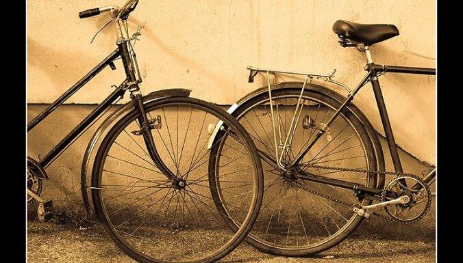 В столкновении с авто велосипедист сломал палец