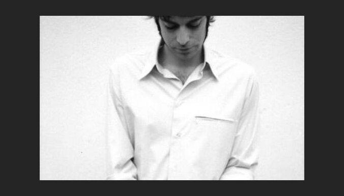 Lakostes grēki. Intervija ar franču laikmetīgās juveliermākslas meistaru Emanuelu Lakosti