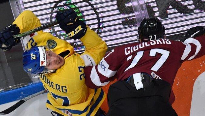 Latvijas hokejisti otro reizi vēsturē uzvar Zviedriju
