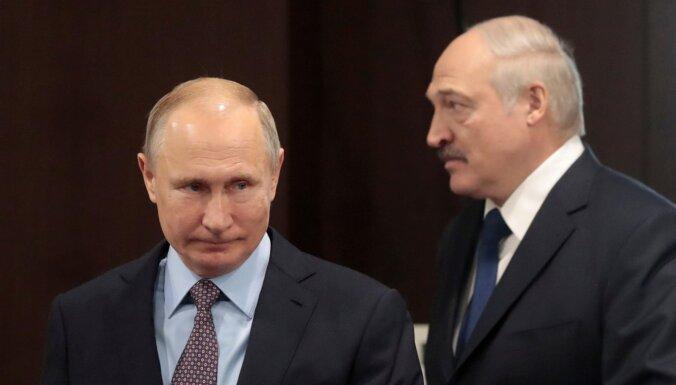 Putins maina konstitūciju, jo nespēja pievienot Baltkrieviju, atklāj avoti