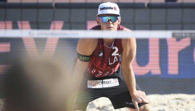 Samoilovs/Šmēdiņš četru zvaigžņu turnīru Kankunā sāk ar zaudējumu spraigā cīņā